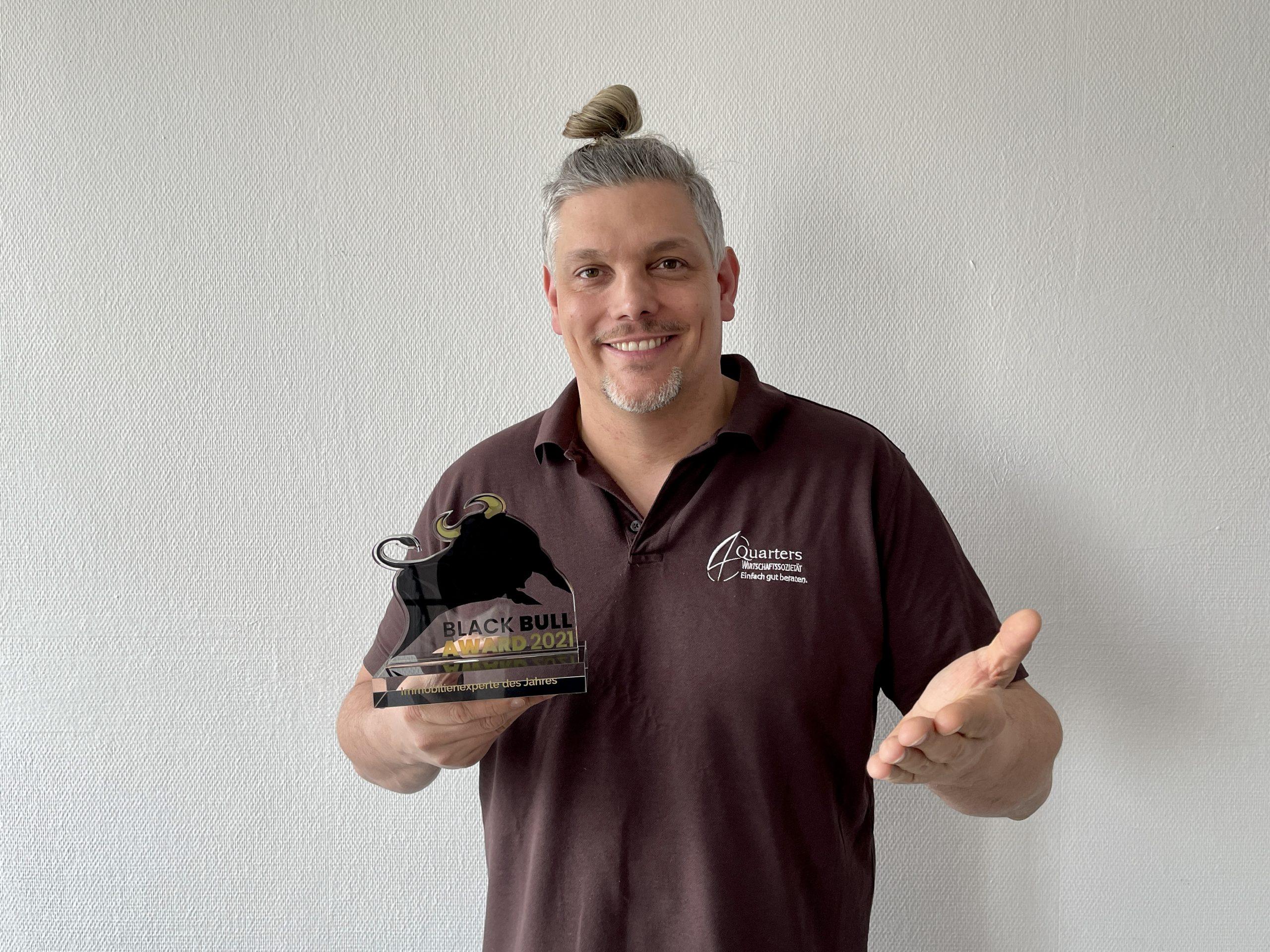 Gewinner Black Bull Award 2021 - Immobilienexperte des Jahres